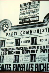 Le siège du PC-SFIC, 120 rue La Fayette, pavoisé de slogans selon les usages de l'époque