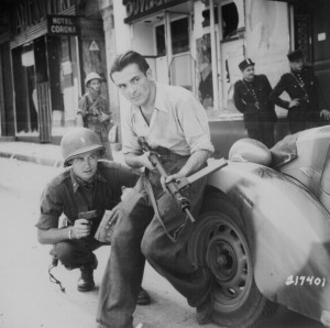 An American officer and a French partisan
